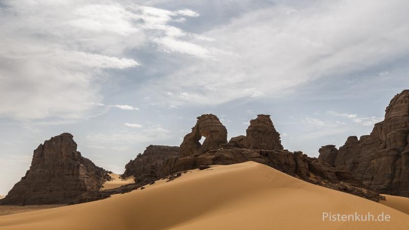 sand-naturbruecke-wueste