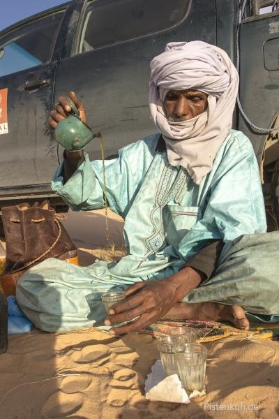 tee-tuareg-algerien-2