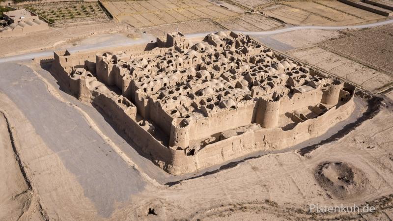 Iran-Saryazd-Castel