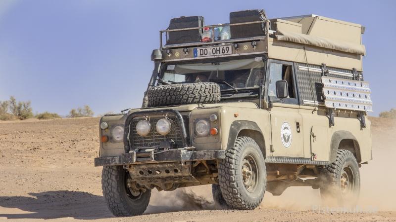 Land-Rover-Defender-Offroad