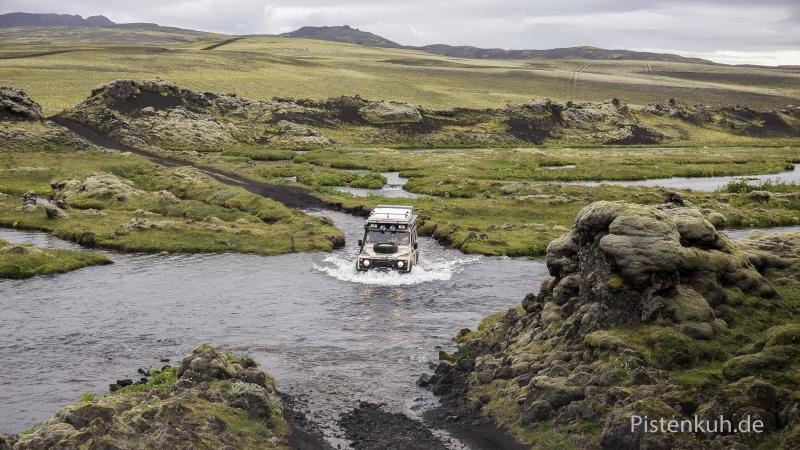 Land-Rover-Island-Hochland-Furt-Abenteuer