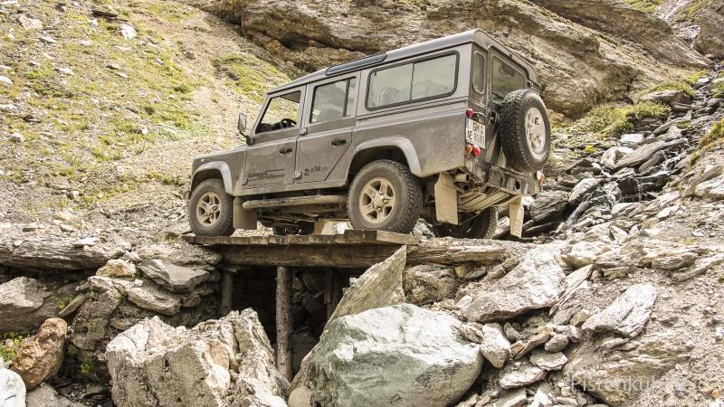 Land-Rover-TD4-Abenteuer-Bruecke
