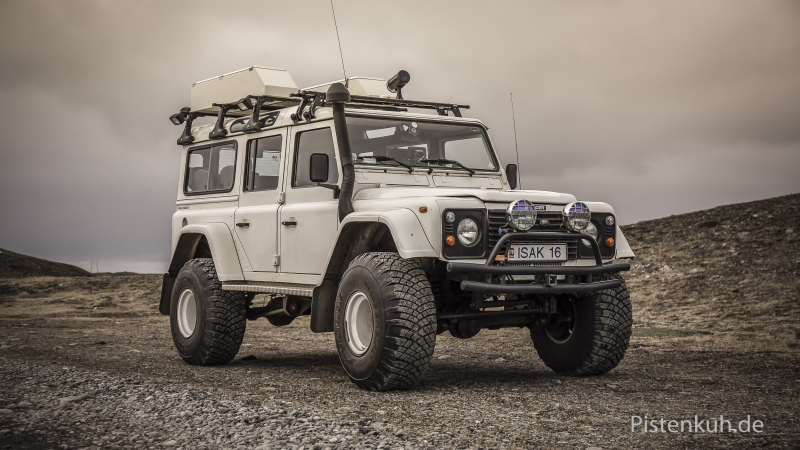 Land-Rover-TD4-Island-Hochland