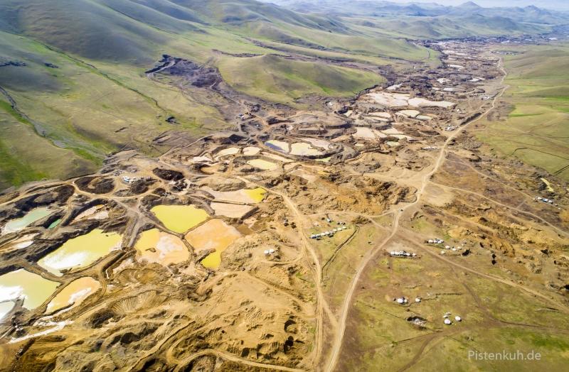 mongolei-goldgraeber-abbaugebiet-luftbild