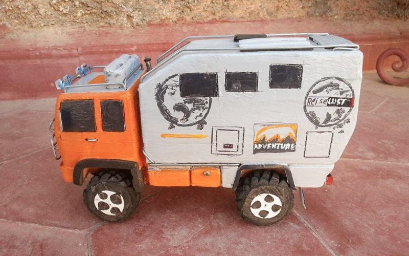 modellauto holz explorer- mobil