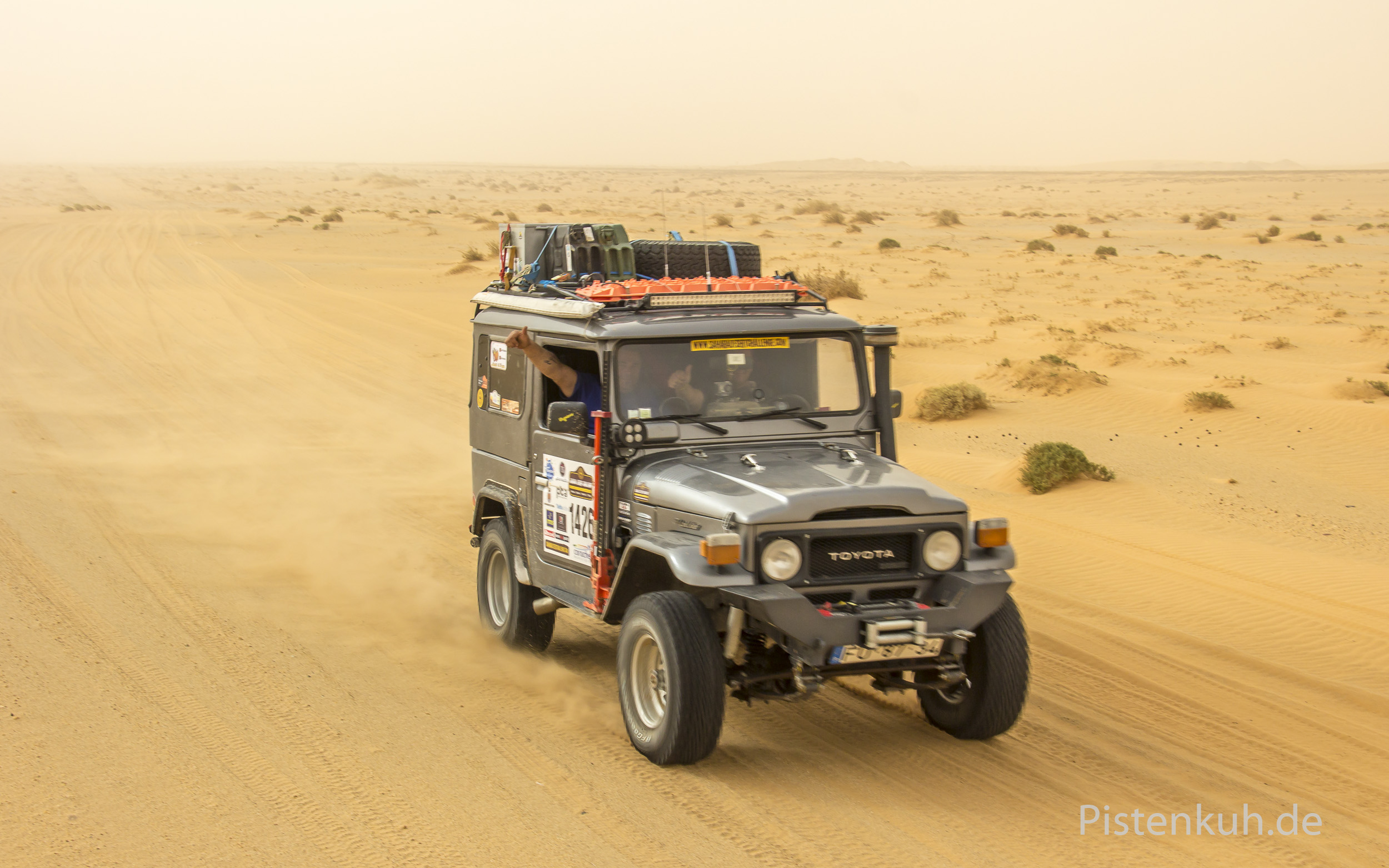 Toyota-Land-Cruiser-Offroad