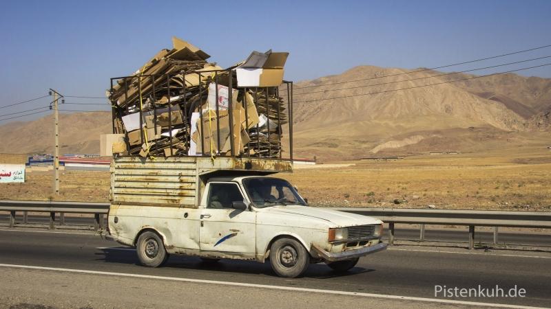 Verkehr-Iran-Ueberladen-2