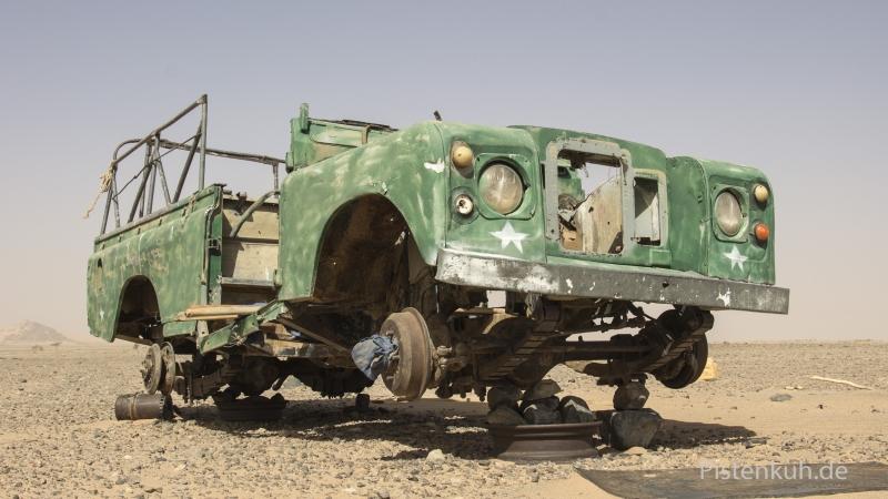 Schrott-Land-Rover-Serie-3
