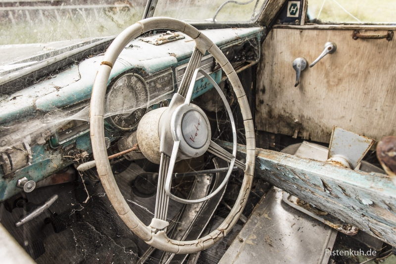 rotten-car-volvo