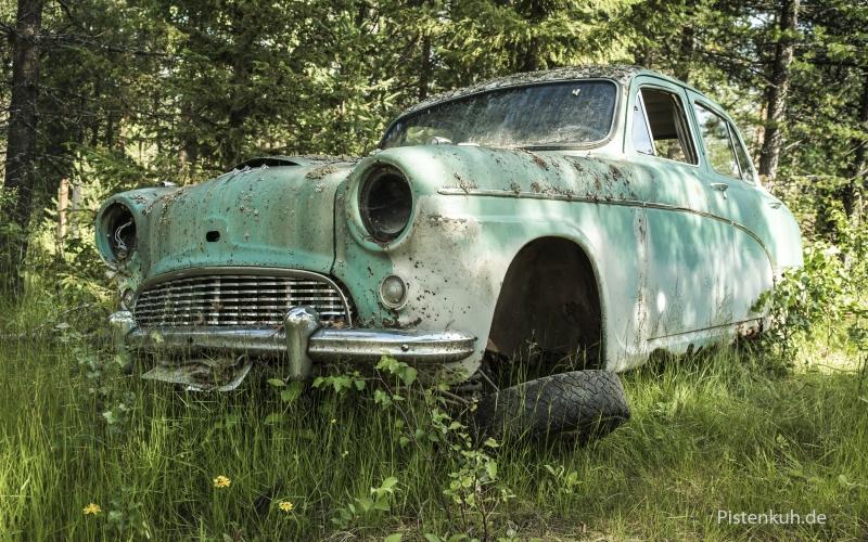 schweden-verrostete-autos