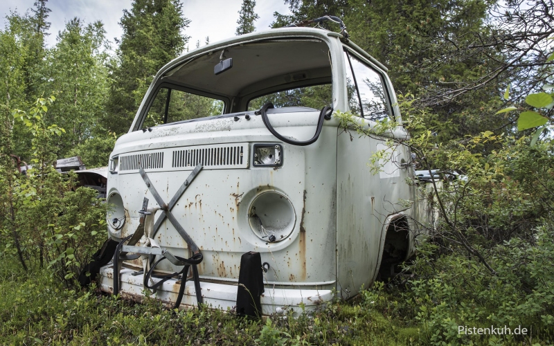 vw-bus-pritsche-lost-place