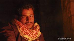 Beduine am Lagerfeuer