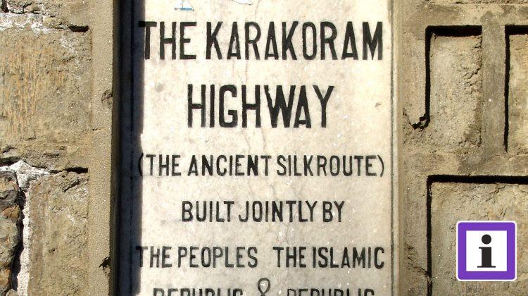 Pakistan Steintafel am Karakorum