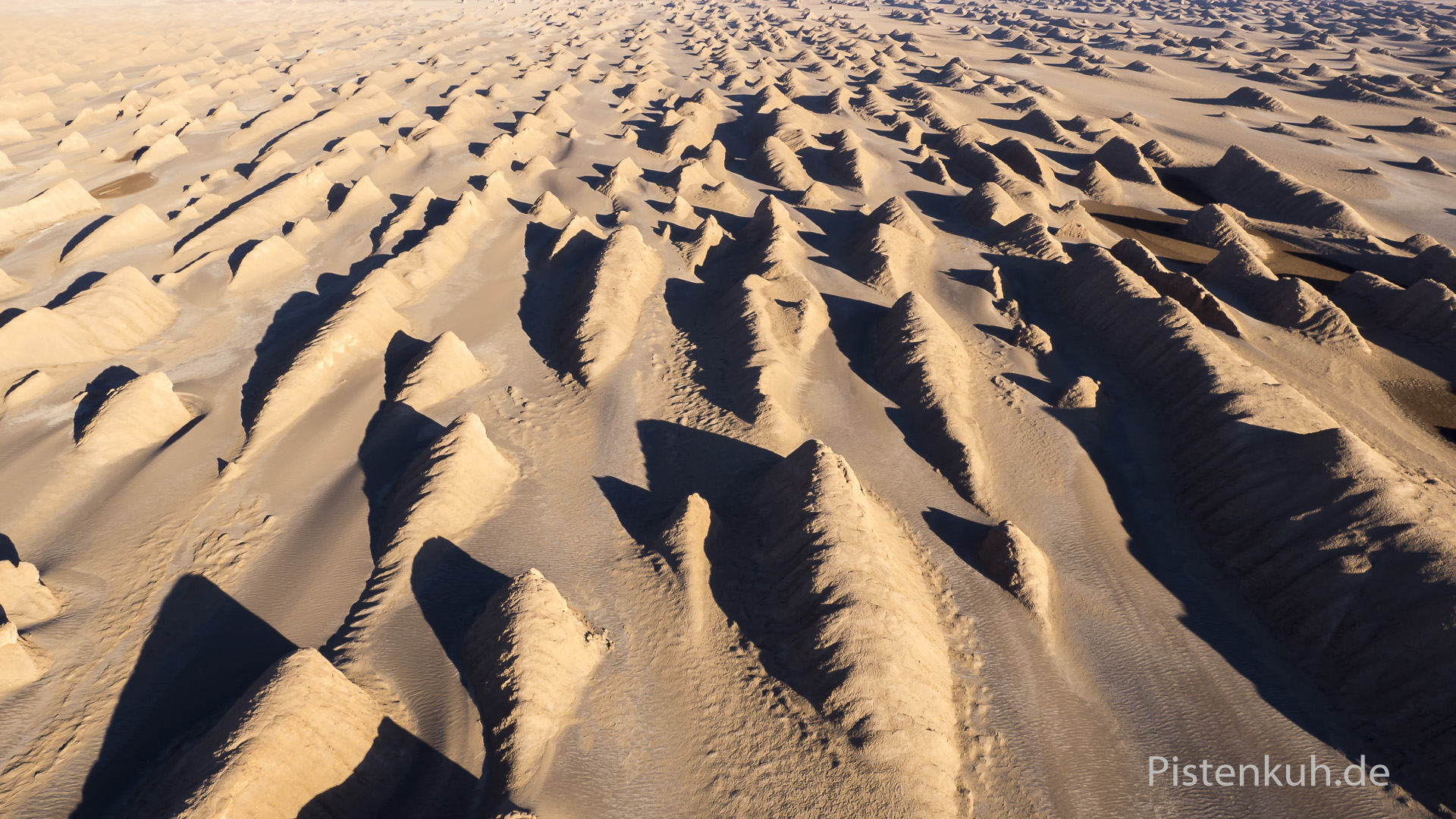 Yardang in der Wüste Lut