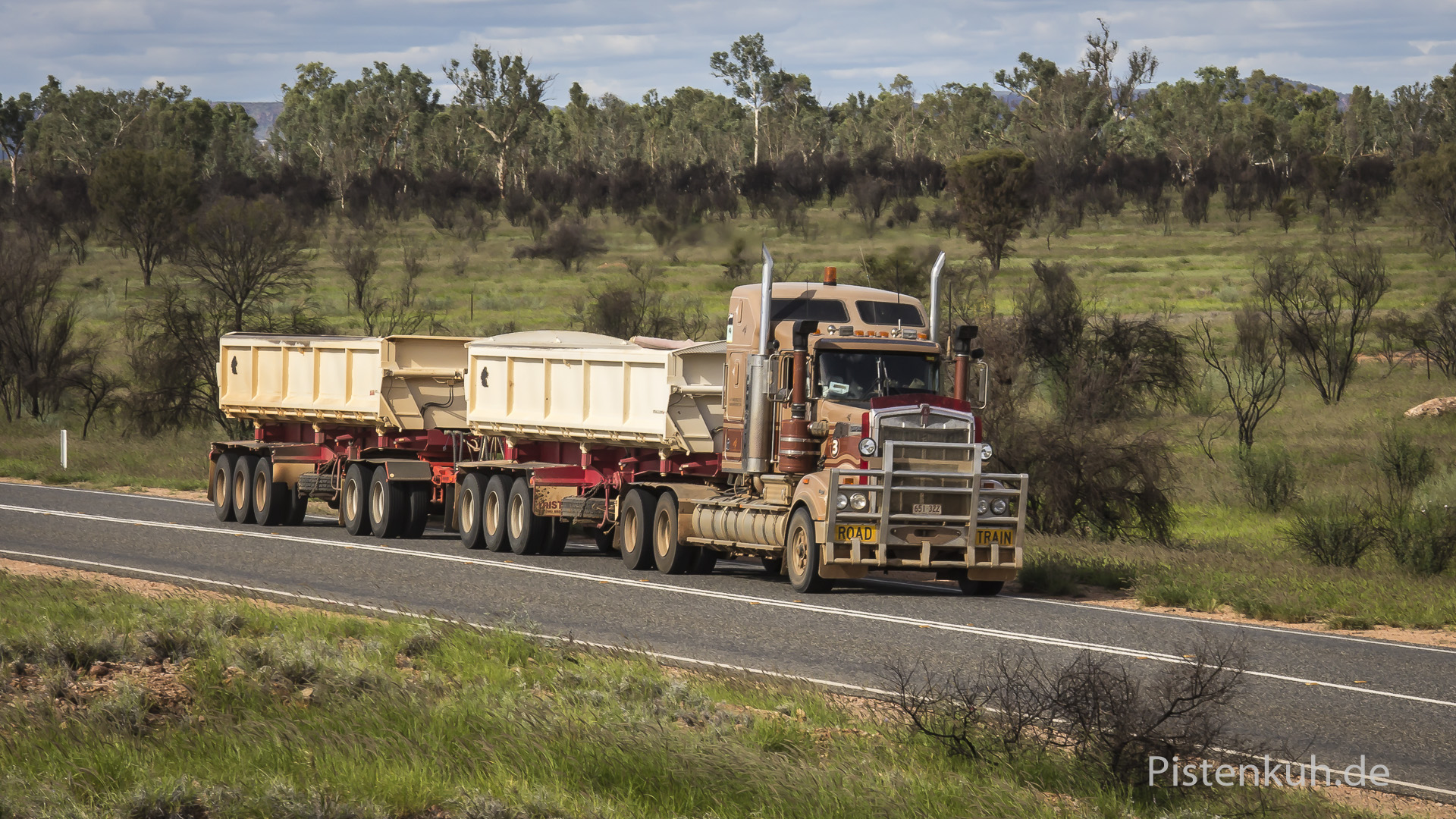 double-roadtrains-2