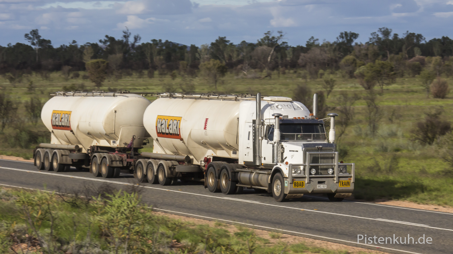 double-roadtrains-3