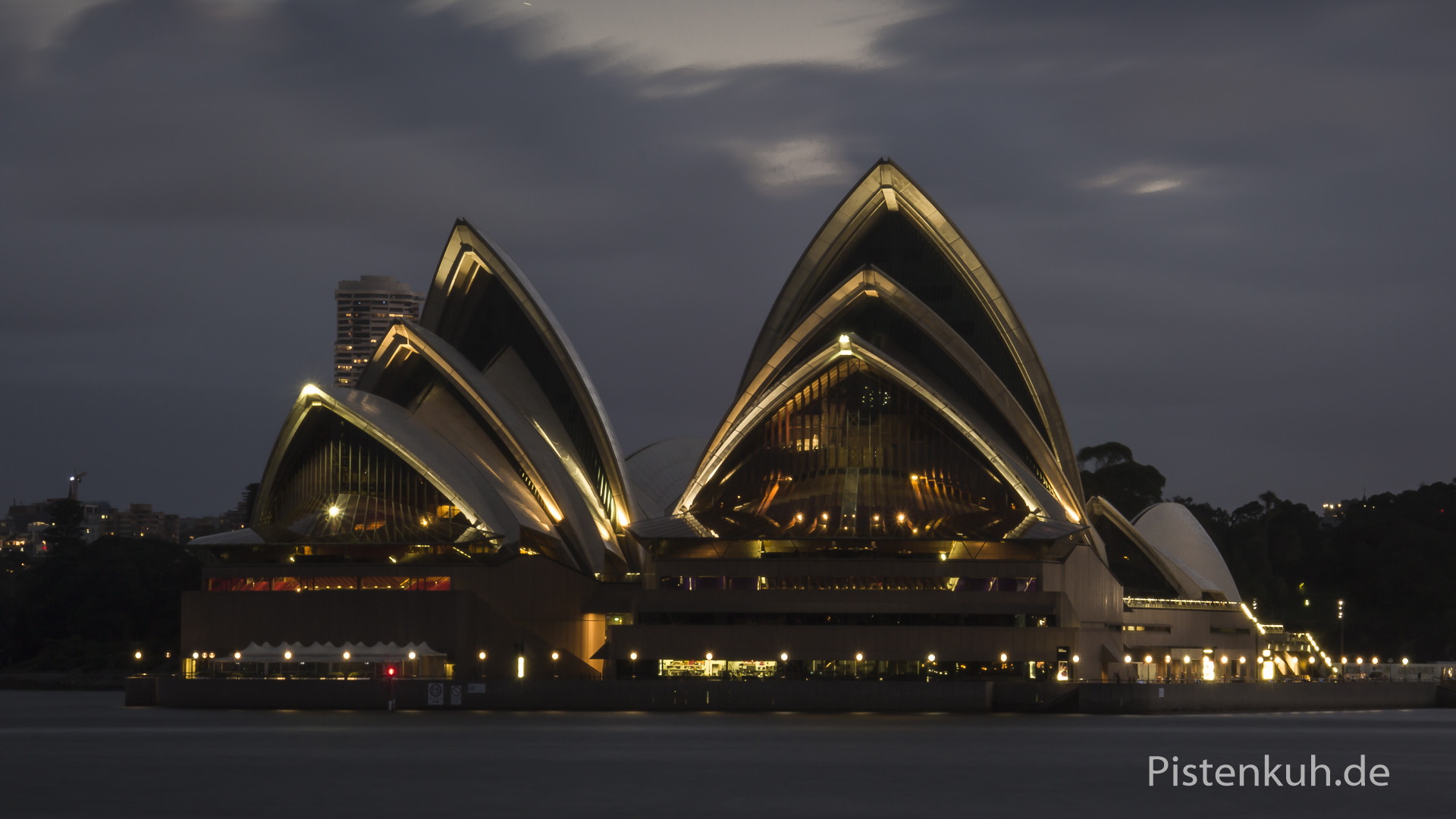 Opera bei Nacht