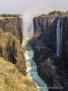 Victoria Fälle stürzen in den afrikanischen Graben