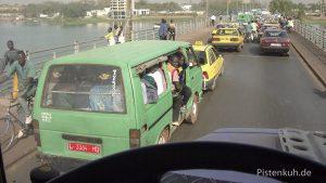 Verkehrchaos in Bamabo