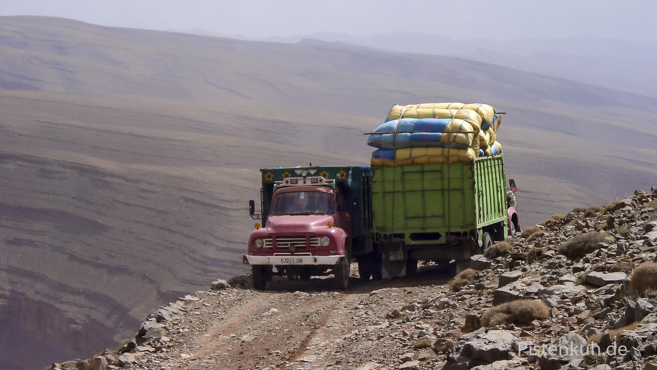 Verkehr auf den Pisten im Hohen Atlas