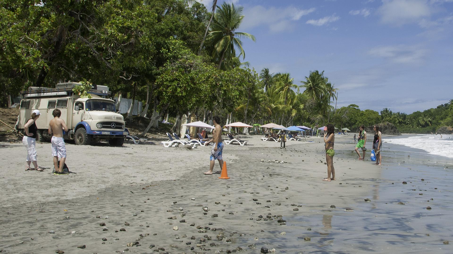 Festgefahren am Strand in Costa Rica