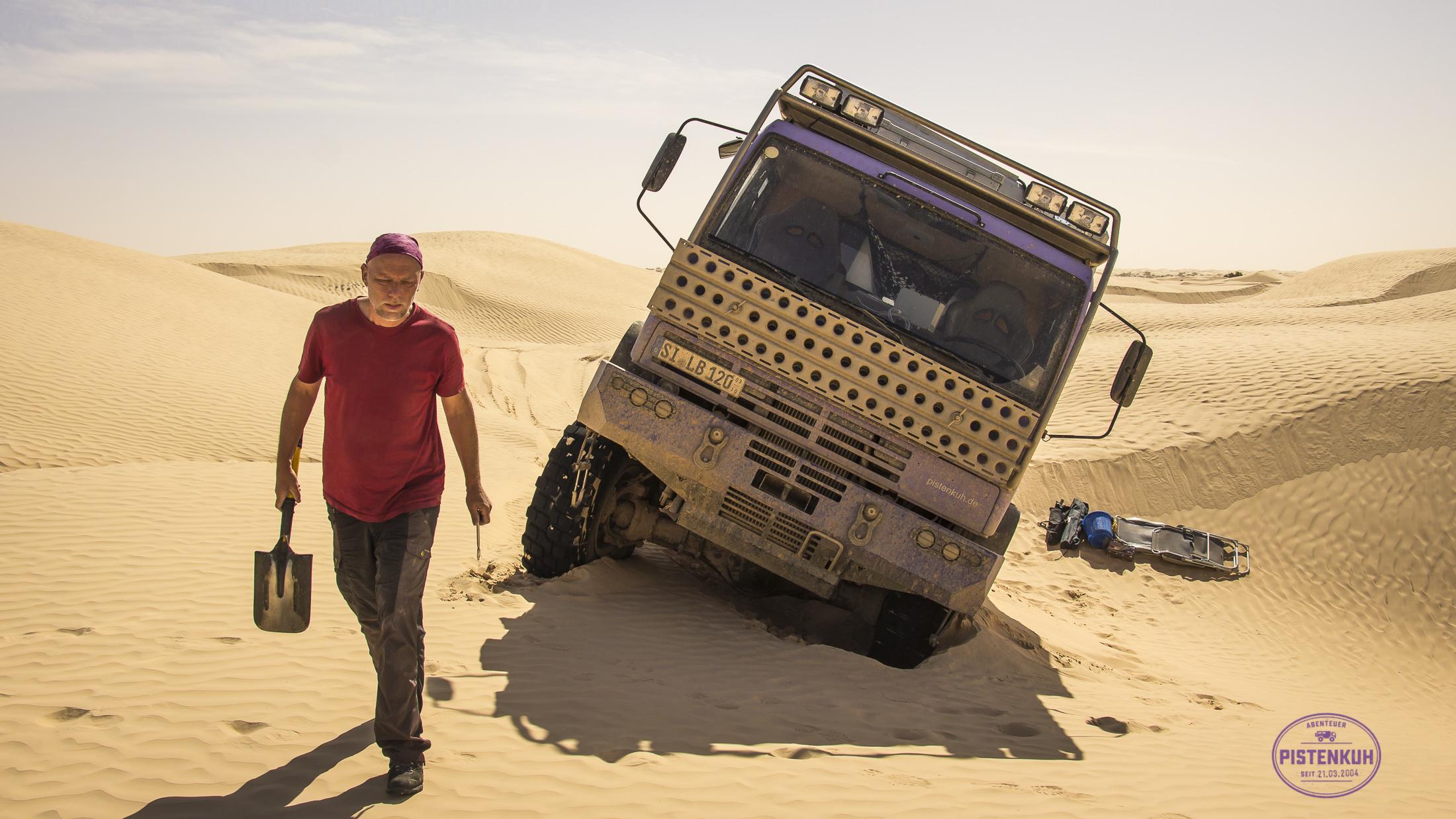Pistenmobil im Sand
