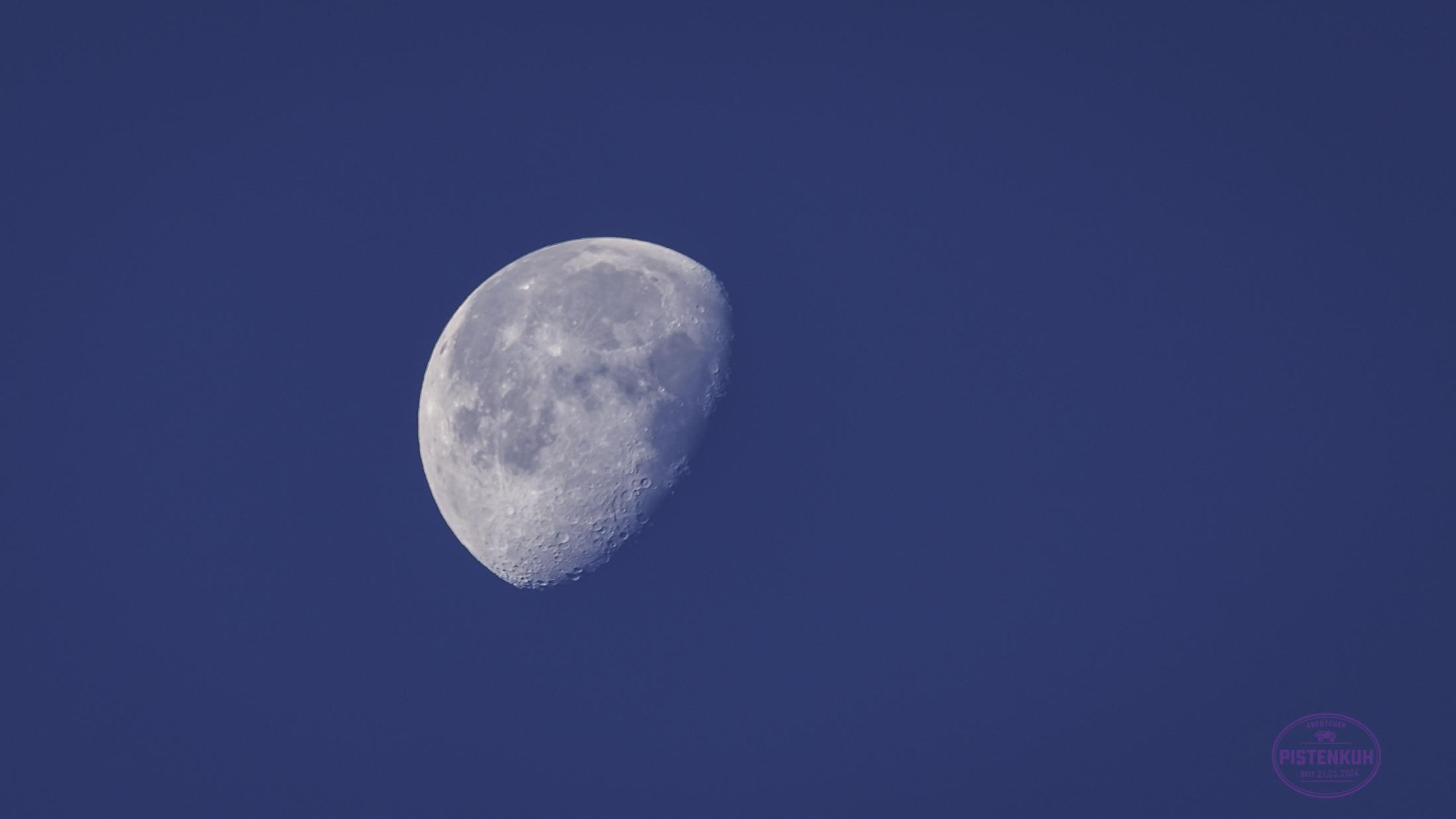 Der Mond, wenige Tage alt