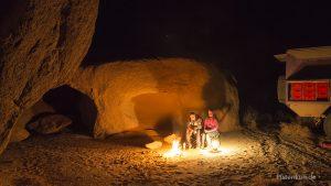 Wüstencamp bei Nacht