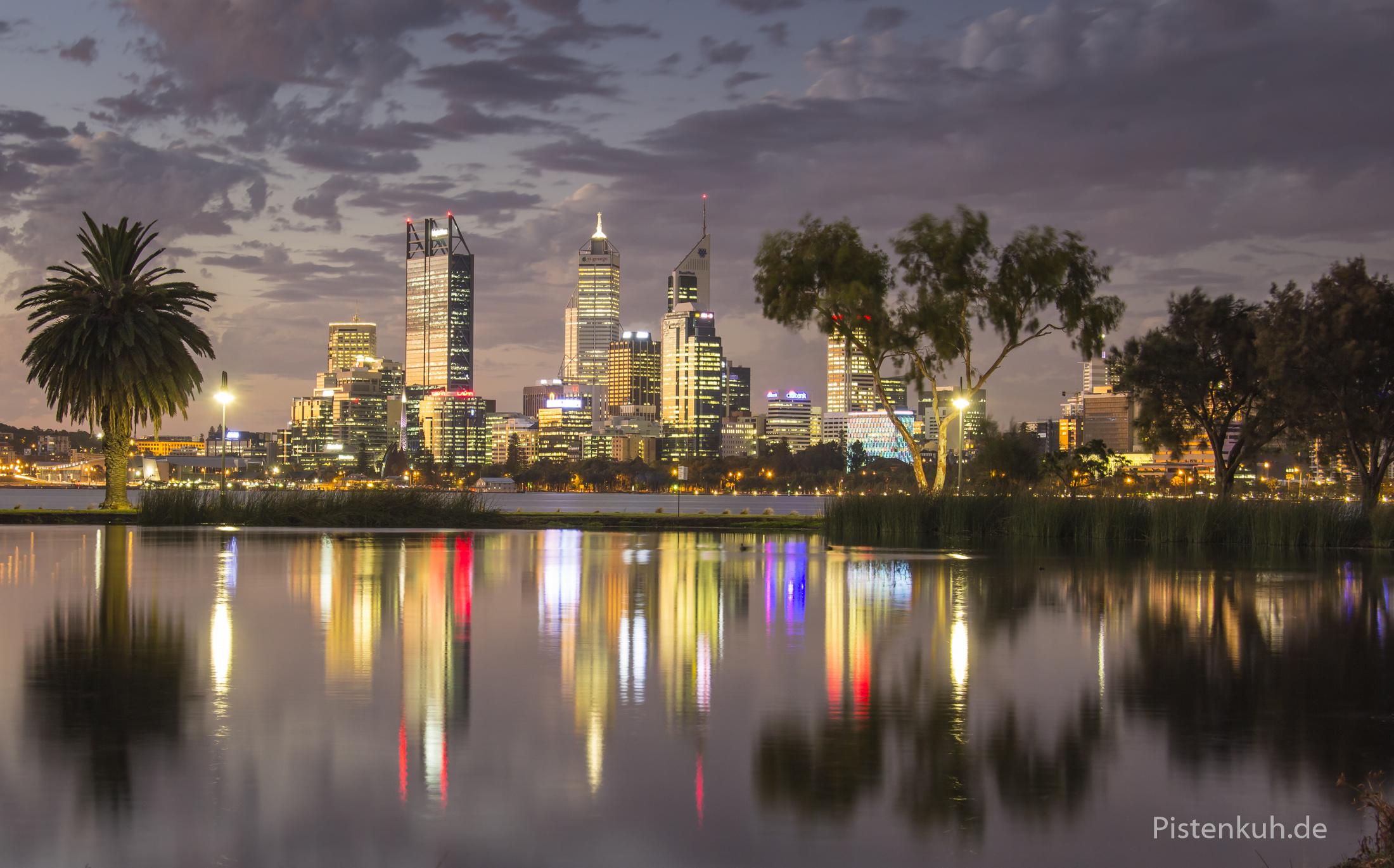Nachtaufnahme von Perth ISO 100, Blende 8, 10 Sekunden