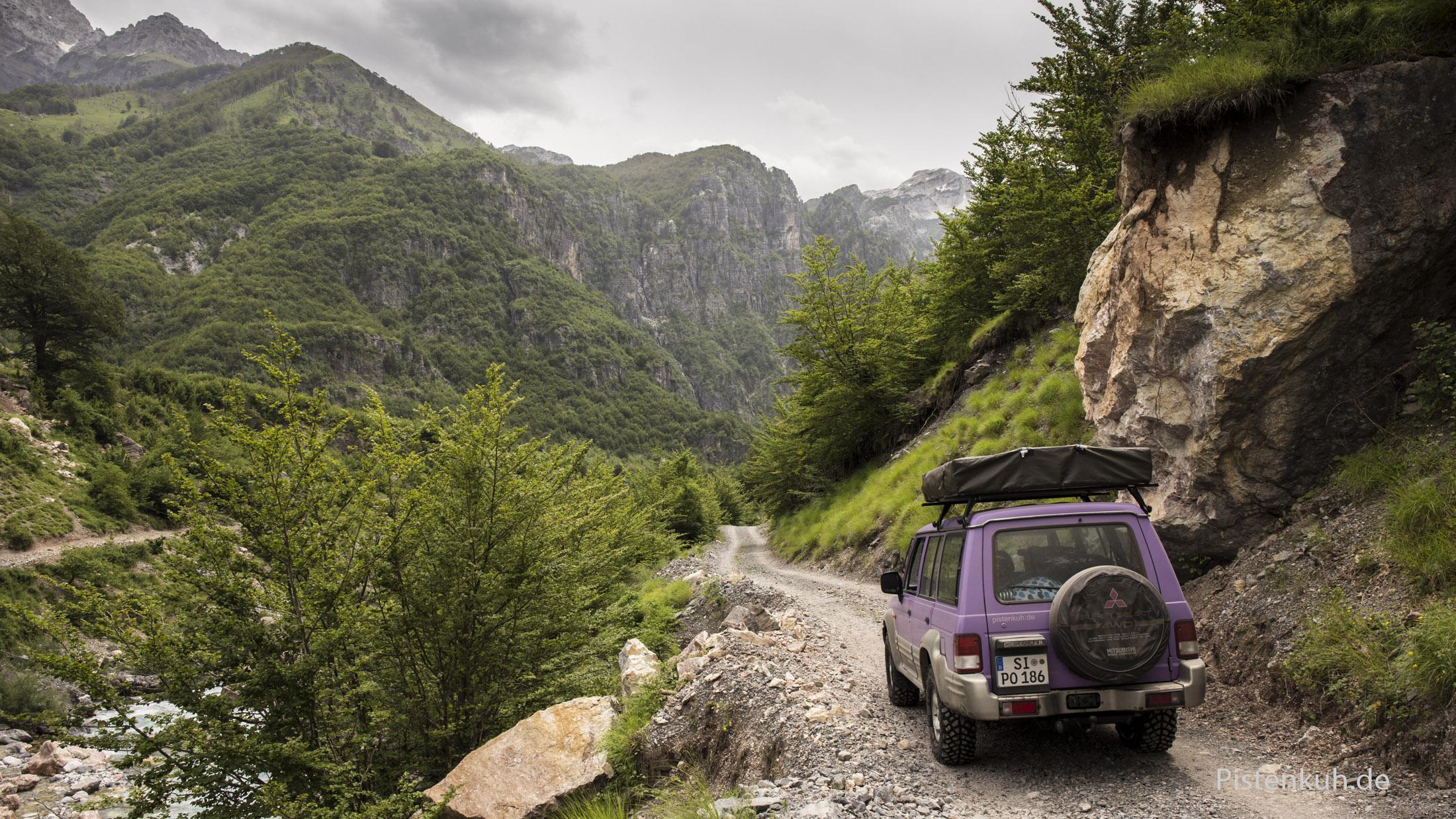 Offroad durch die albanischen Alpen