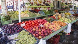 Frisches Obst auf den Märkten in Tirana