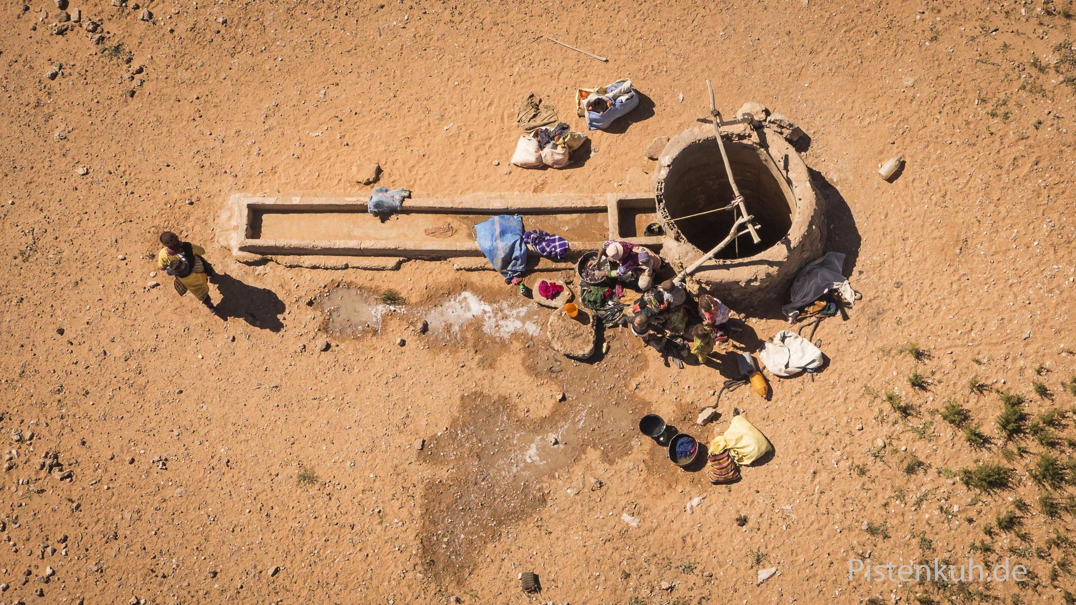 Luftbild fotografiert mit Drohne: Brunnen in der Sahara