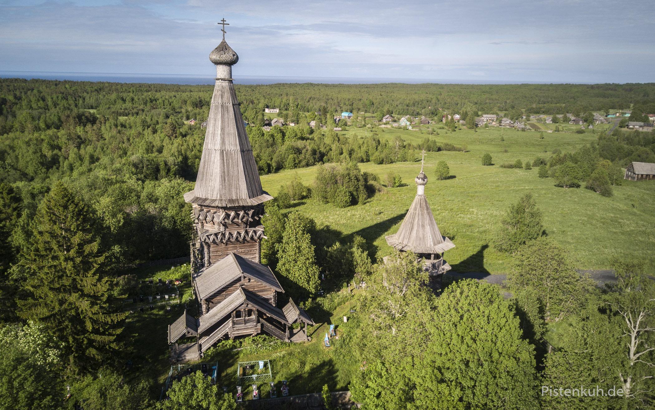 Typischer Baustil der Holzkirchen in Karelien