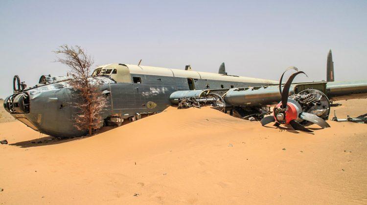 Flugzeugwrack in der Westsahara
