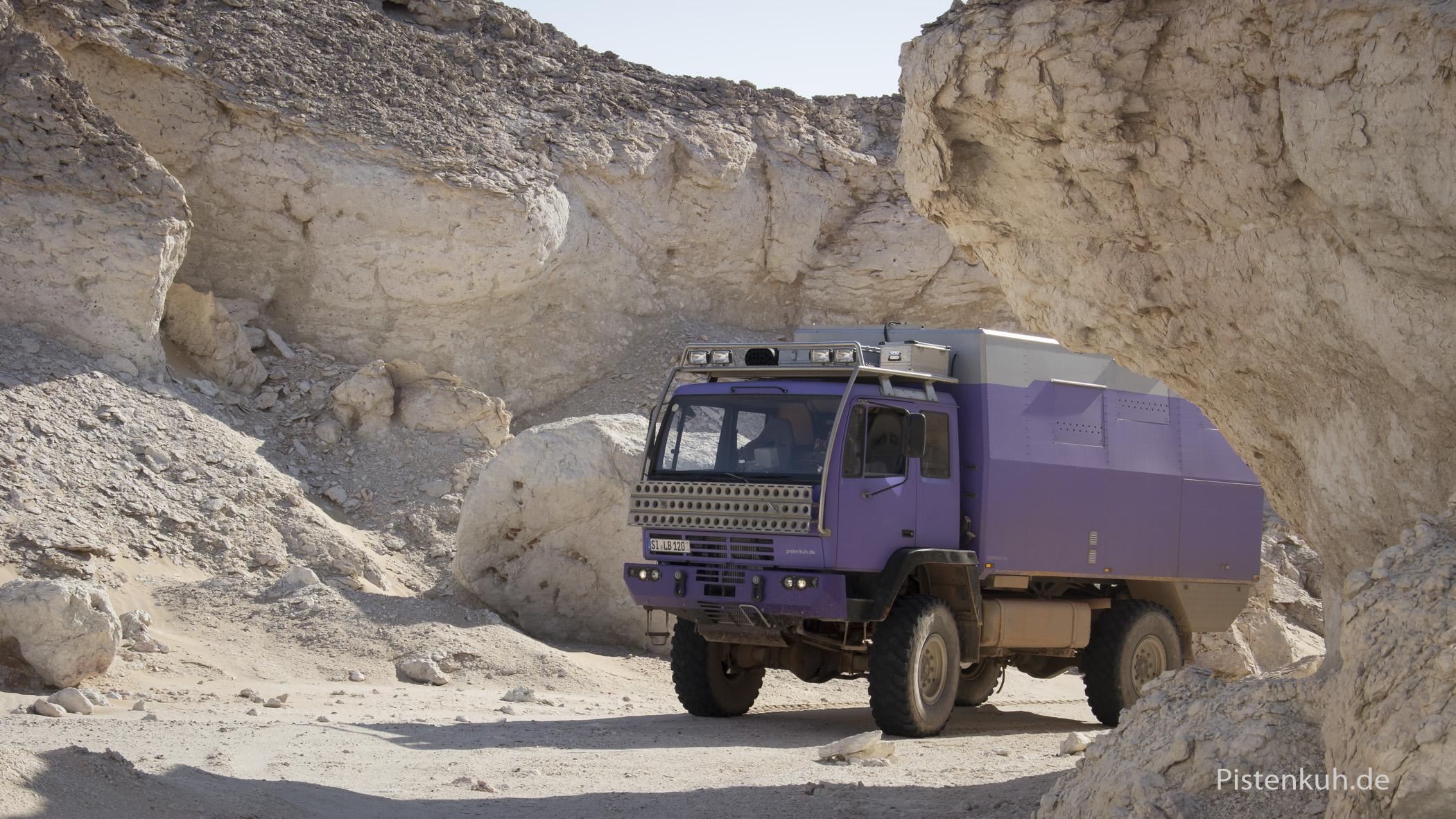 """Unterwegs in der """"Weißen Wüste"""" des Oman"""
