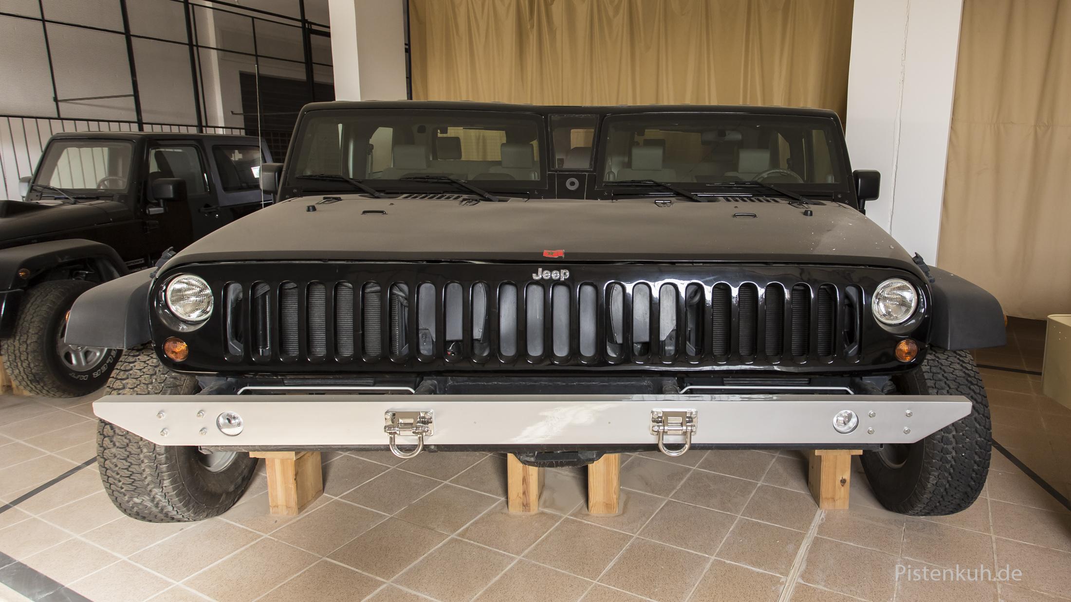 Ein Jeep extrabreit. Eine Sonderanfertigung für den Scheich.