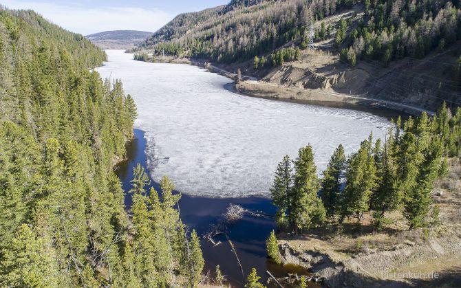 Die Seen sind oft bis in den Sommer hinein zugefroren.