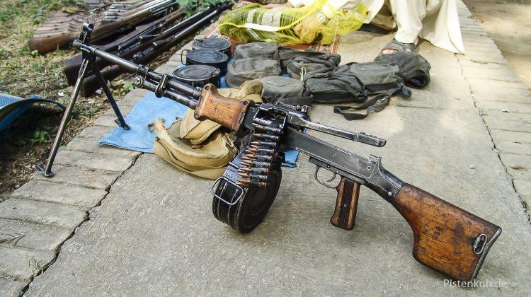 In NO-GO-Areas kann man Waffen am Straßenrand kaufen.