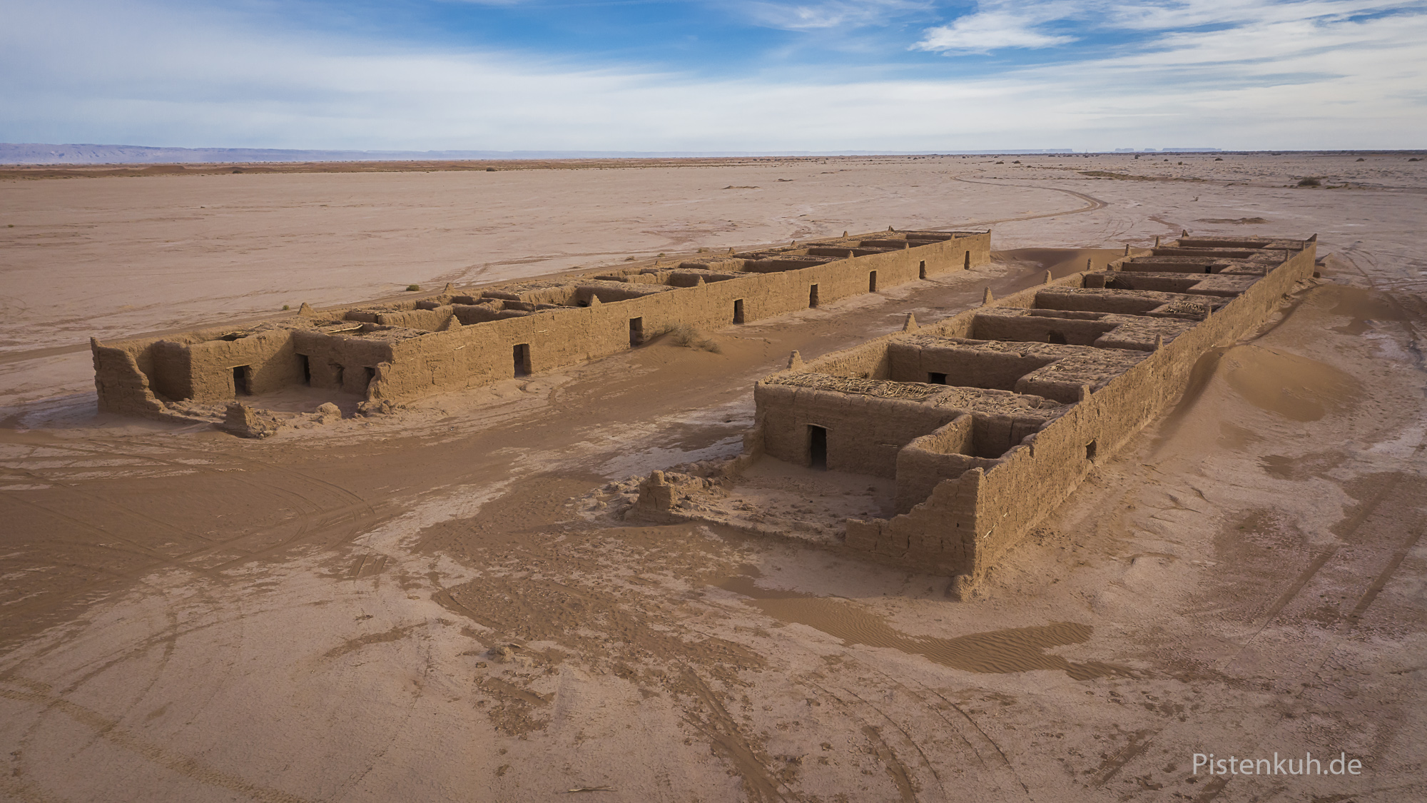 Ruinen in der Nähe des Erg Zaher