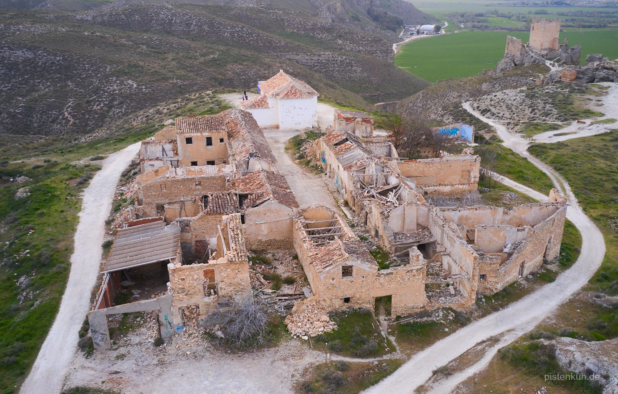 Zerfallen und unbewohnt, das Schicksal von fast 3.000 spanischen Dörfern.