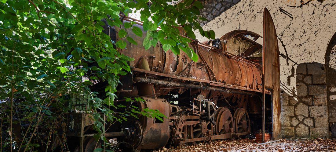 Lost Place – Der Lokschuppen (Griechenland)